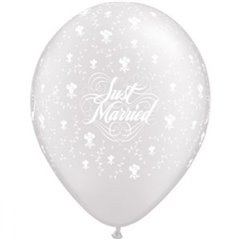 "11"" Printed Latex Balloons, Just Married Hearts-A-Round Diamond Clear, Qualatex 39208, Pack of 100 pieces"