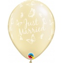 """Baloane latex 11"""" inscriptionate Just Married, Butterflies-A-Round Pearl Ivory, Qualatex 31559"""
